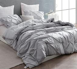 Byourbed BYB Glacier Gray Pin Tuck King Comforter