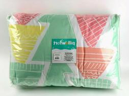 Pillowfort Comforter Set Twin 100% Polyester 66x88in / 20x26